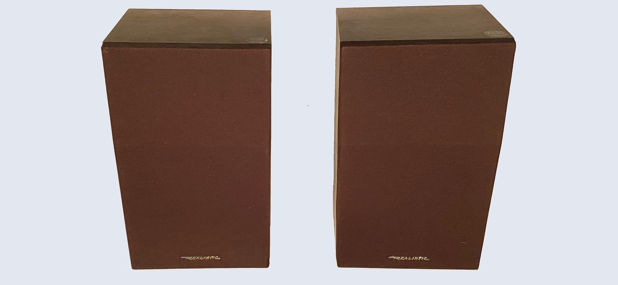 Realistic Minimus 26 speakers